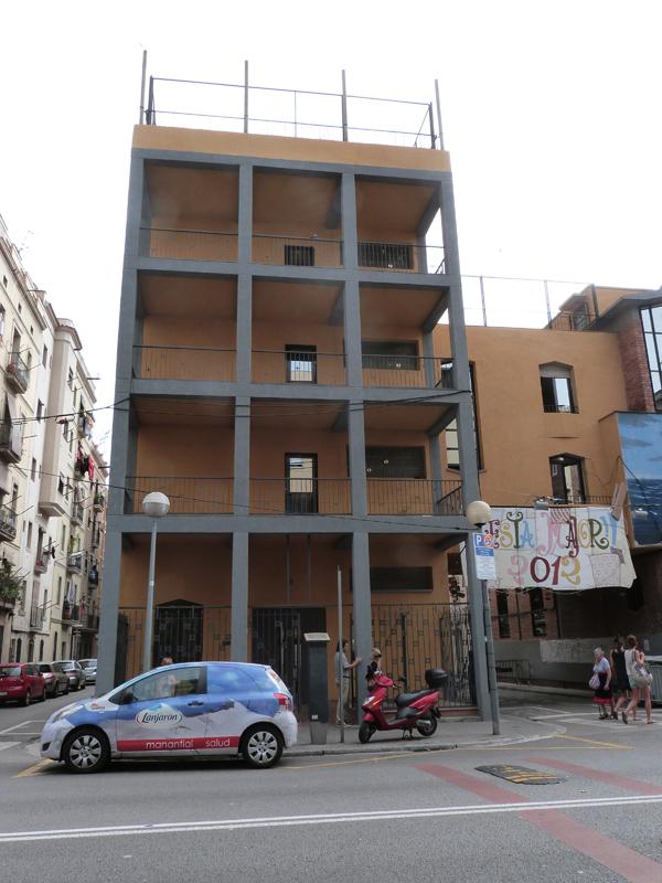 Pintado Solidario en La Barceloneta