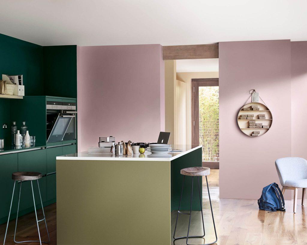 4 formas de pintar la cocina con el Color del Año 2018